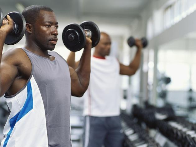 bald man gym main Бодибилдингът и загубата на коса: факти и измислици