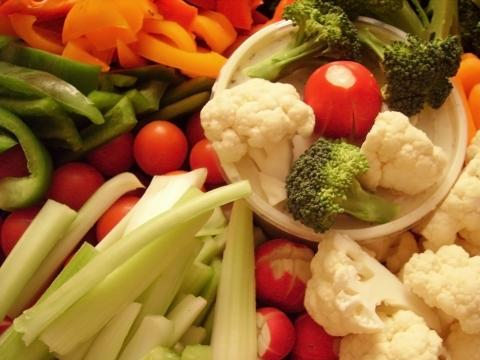 zelenchuci na para Сурови или варени зеленчуци са по полезни?